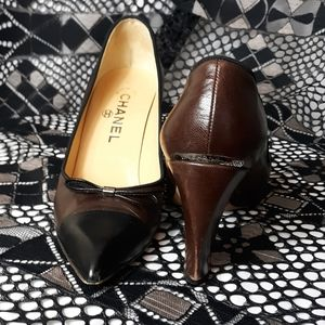 Chanel Brown & Black Leather Pumps